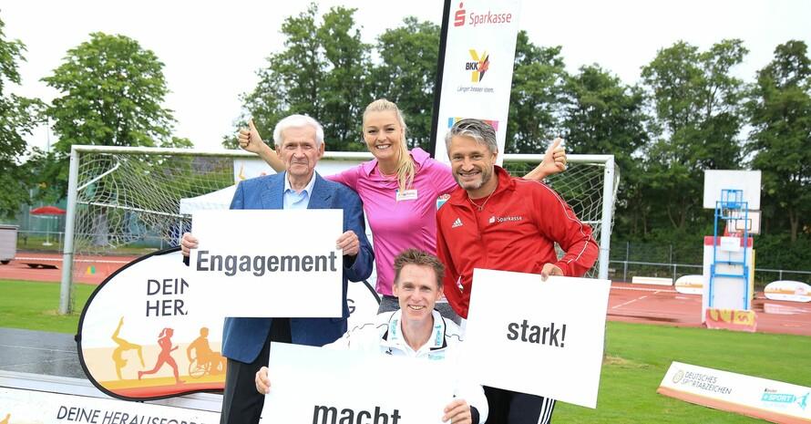 Heinrich Ringelkamp wurde für sein langjähriges Engagement für das Deutsche Sportabzeichen geehrt. Foto: Treudis Naß