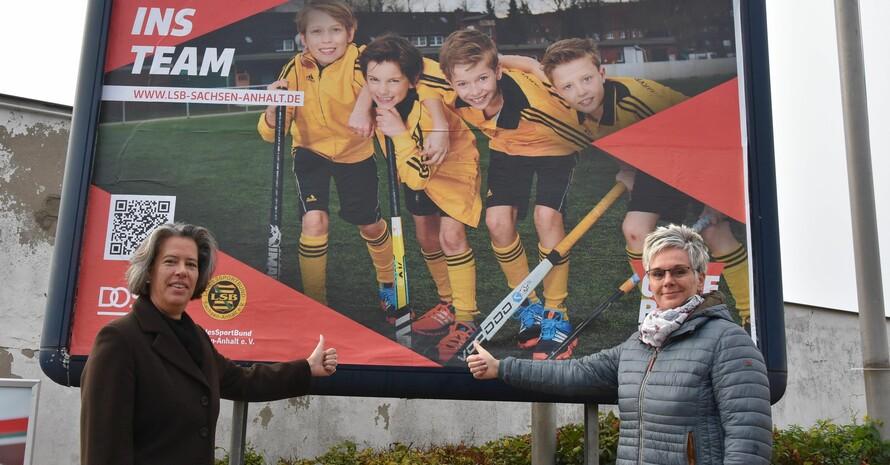 Sachsen-Anhalts Sportministerin Dr. Tamara Zieschang (li.) und LSB-Präsidentin Silke Renk-Lange beim symbolischen Kampagnenstart in Halle; Foto: LSB-Sachsen-Anhalt