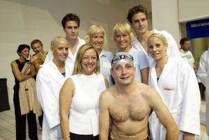 Gruppenfoto u.a. mit Boning und den ratiopharm-Zwillingen (Fotos: Agentur Bildschön)