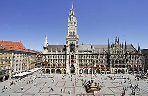 Das Rathaus am Marienplatz in München, Copyright: picture-alliance