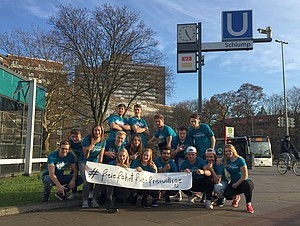 Jugendliche, die in Sportvereinen und -verbänden ihren Freiwilligendienst leisten, fordern freie Fahrt im öffentlichen Personennahverkehr. Foto: dsj