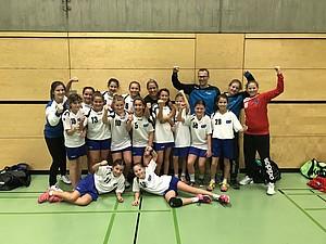Die weibliche D-Jugend war eine von insgesamt fünf Handballmannschaften der JSG Balingen-Weilstetten, die sich über ein erfolgreich abgelegtes Deutsches Sportabzeichen freuen durften. (Foto: privat)