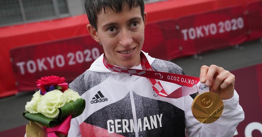 Stille Freude: Dreiradfahrerin Jana Majunke nimmt ihren Triumph gelassen auf. Foto: picture-alliance