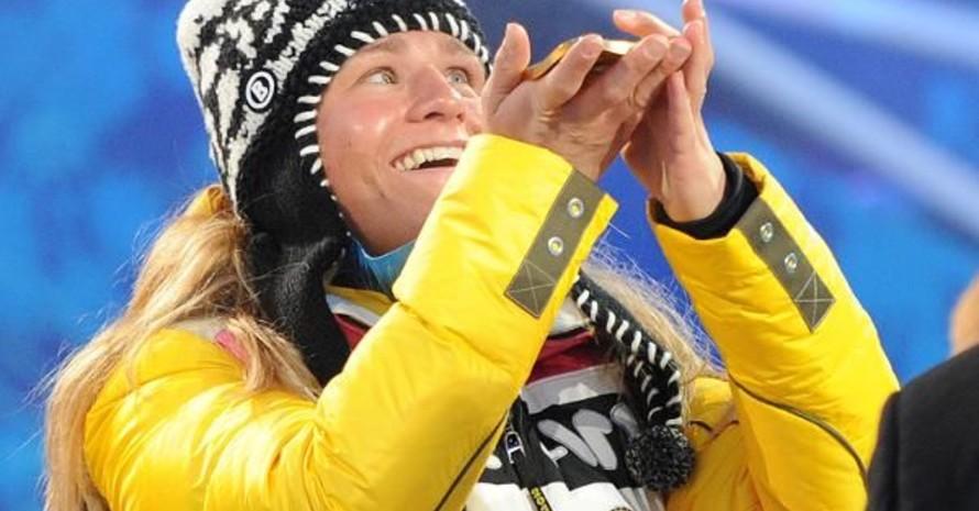 Verena Bentele freut sich über den Gewinn der Goldmedaille im 15-km Langlauf (Freier Stil) der Sehbehinderten bei den Paralympics 2010 in Whistler. Copyright: picture-alliance