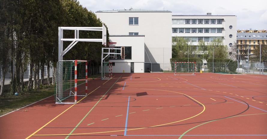Bei Wiedereröffnung der Schulen sollte auch der Schulsport - zumindest im Freien - wieder möglich sein. Foto: picture-alliance