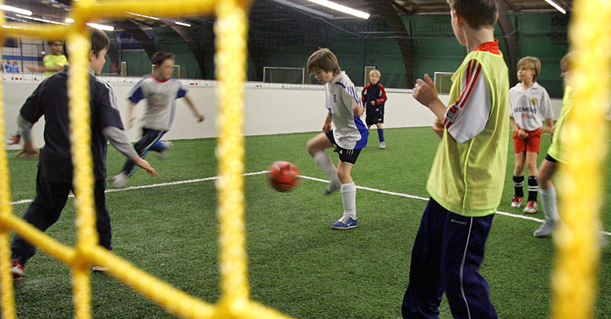Fußball kann die Integration erleichtern. Foto: picture-alliance