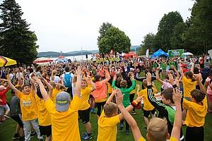 1.000 Kinder waren beim zweiten Halt der Sportabzeichen-Tour im Strandbad Bosen am Start. Foto: Treudis Naß