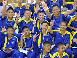 In anderen Ländern, wie z.B. in Thailand, gehört einheitliche Kleidung auch im Sportunterricht dazu. Foto: picture-alliance