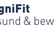 Logo von KogniFit. In fettgedruckter blauer Schrift steht KogniFit. Darunter in dünner blauer Schrift gesund & bewegt.