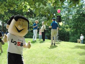 Auch DOSB-Maskottchen Trimmy war bei der Eröffnung dabei. Foto: Lions Club Hessischer Löwe