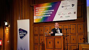 Andy Grote, Senator für Inneres und Sport, auf der BuNT 2019. Foto: Startschuss SLSV Hamburg e.V./ Active City/Behörde für Wirtschaft, Forschung und Gleichstellung/Stefan Weeber