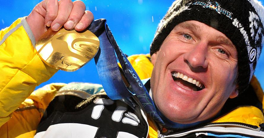 Martin Braxenthaler mit seiner zweiten Goldmedaille. Copyright: picture-alliance