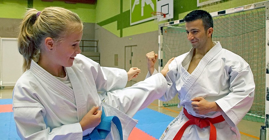 Wael Sueb engagiert sich vor Ort als Jugendtrainer (Bild: Sportjugend Hessen/Johannes König)