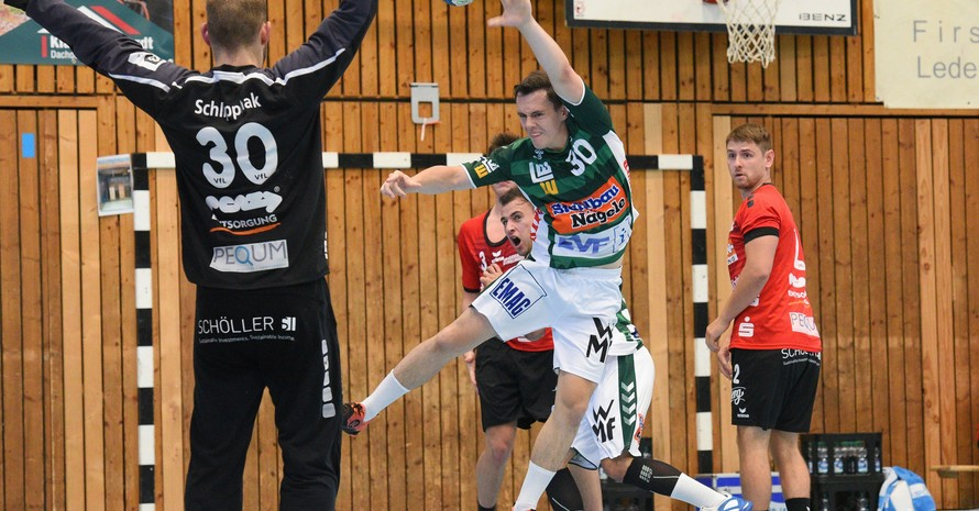 Szene aus einem Testspiel von Frisch Auf Göppingen (grünes Trikot) gegen den Drittligisten VfL Pfullingen. Foto: picture-alliance