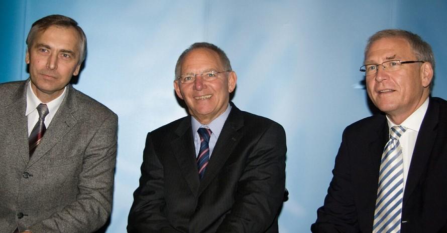 EU-Kommissar Ján Figel`, Bundesinnenminister Wolfgang Schäuble und DOSB-Generaldirektor Michael Vesper (v.li.) diskutierten in Bonn über die künftige europäische Sportpolitik