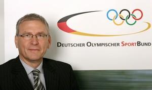 DOSB-Generaldirektor Michale Vesper möchte, dass Vereine die Möglichkeit bekommen, die Mittel des Programms zu nutzen.