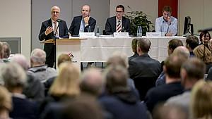 Hamburgs erster Bürgermeister Peter Tschentscher spricht auf der HSB-Mitgliederversammlung. Foto: HSB/Axel Heimken