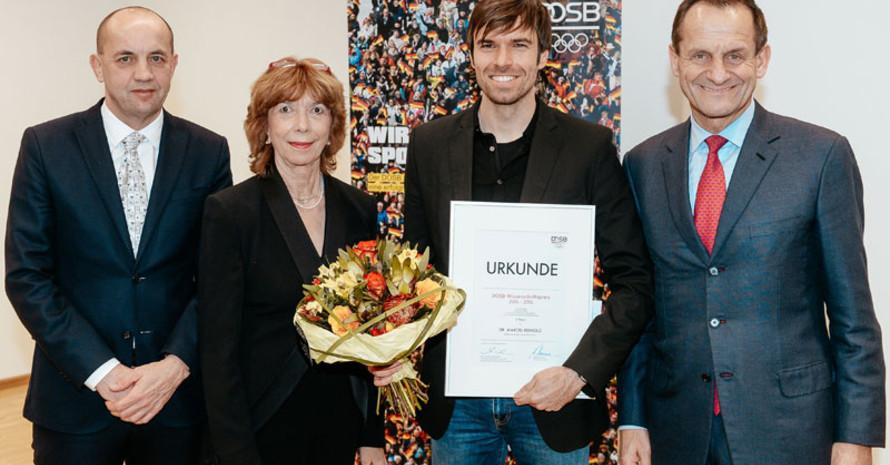 Den zweiten ersten Preis erhielt Marcel Reinold (2. v.r.). Fotos: DOSB/Jan Haas