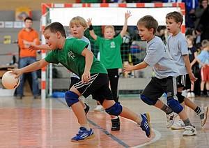 Gefördert werden Arbeiten, die sich thematisch mit der Sportart Handball befassen. Foto: picture-alliance