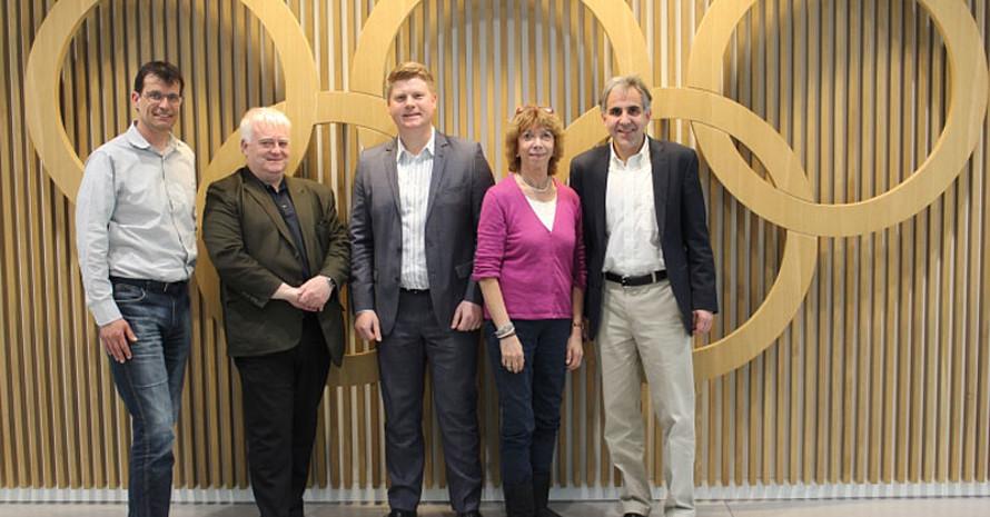 Waren beim Treffen in Frankfurt dabei: Prof. Dr. Holger Preuß, Prof. Dr. Roland Naul, Tobias Knoch, Prof. Dr. Gudrun Doll-Tepper und Prof. Dr. Stephan Wassong (v.l.). Foto: DOA