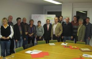 Vereinbarten die Bildung eines Kompetenzzentrums für den Bremer Sport: (v.li.) T. Brinkmann, D. Milles, N. Köhler, D. Jerzewski, I. Taeger-Vagt, I. Vöge, P.Zenner, D. Stumpe, H. Renkwitz, F.Selzer, J. Arkenau, H. Helken, T. Voigt. Foto LSB Bremen