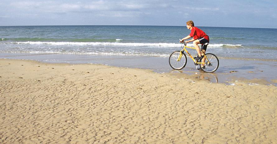 Immer mehr Reisende wollen im Urlaub Sport- und Gesundheitsangebote. Copyright: picture-alliance