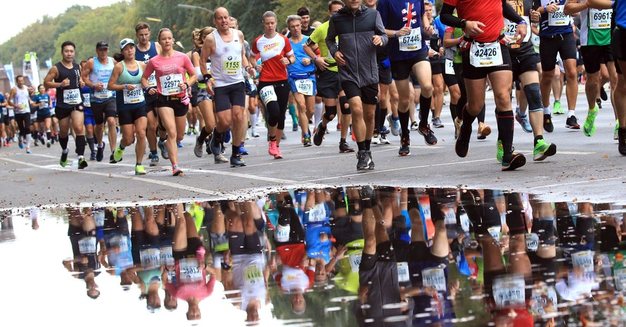 Läufer*innen beim Berlin Marathon 2019; Foto: picture-alliance