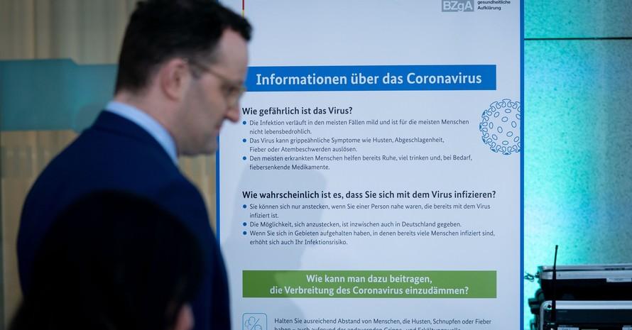 Gesundheitsminister Jens Spahn vor einem Informationsplakat beim Treffen der Gesundheitsminister am 4. März 2020. Foto: picture-alliance