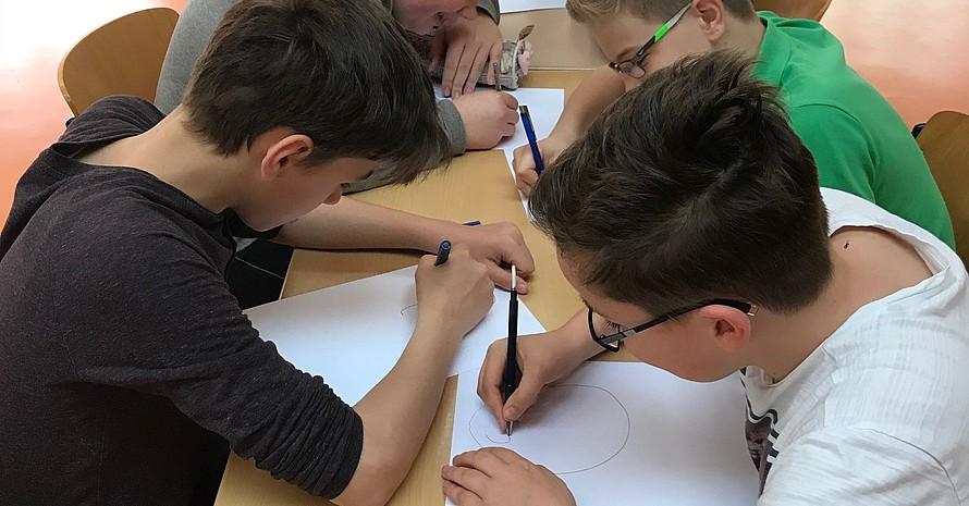 Die Teilnehmenden des Fairplay Workshops im Liborius Gymnasium in Dessau
