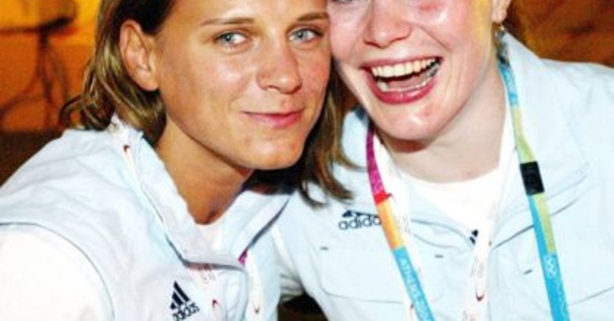 Julia Matijass zusammen mit der Bronze-Judoka Annett Boehm (rechts, alle Fotos: Bongarts).
