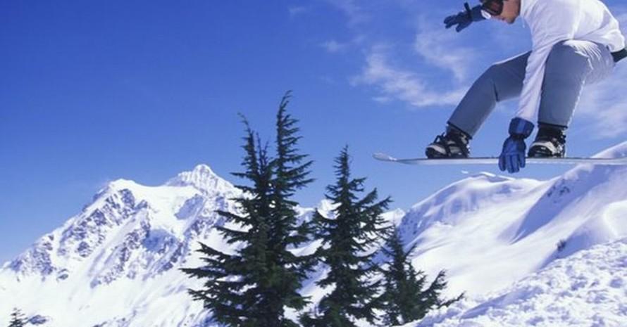 """Snowboarder in Aktion gehören zu den besonderen Attraktionen bei den """"Youth Olympic Games"""". Foto: picture-alliance"""