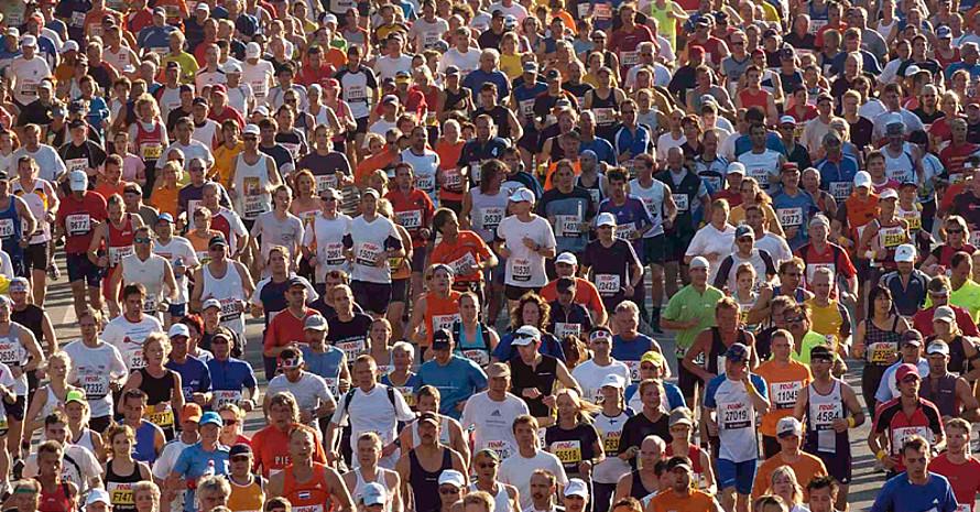 Beim Berlin-Marathon waren im vergangenen Jahr 31.472 Läufer und Läuferinnen am Start. Copyright: picture-alliance