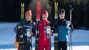Die Medaillengewinner im 10 Kilometer Langlauf: Elias Keck, Iliya Tregubov aus Russland und Will Koch aus den USA (v.l.). Foto: Olympic Information Services