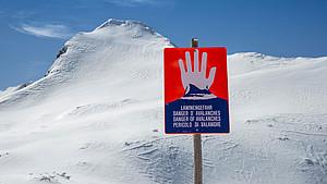 Zahlreiche Pisten wurden in diesem Winter aufgrund hoher Schneemassen gesperrt. Foto: picture-alliance
