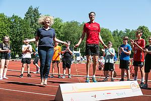 Ob beim Seilspringen oder beim Headis in Nordhorn: Danny Ecker steht für Spaß und sportlichen Ehrgeiz (Foto: DOSB/Treudis Naß)