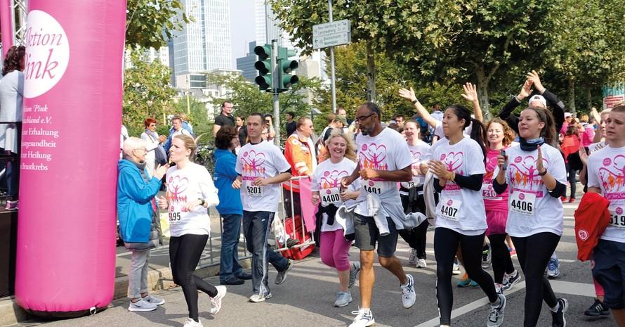 """Mit dem Race for Survival der gemeinnützigen """"Aktion Pink"""" (Kampf gegen Krebs) erfolgt in Frankfurt der Startschuss zur Europäischen Woche des Sports. Foto: Aktion Pink"""