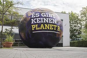 Es gibt nur einen blauen Planeten: Künstliche Intelligenz soll helfen, Umwelt, Klima, Natur und deren Ressourcen zu schützen. Foto: picture-alliance