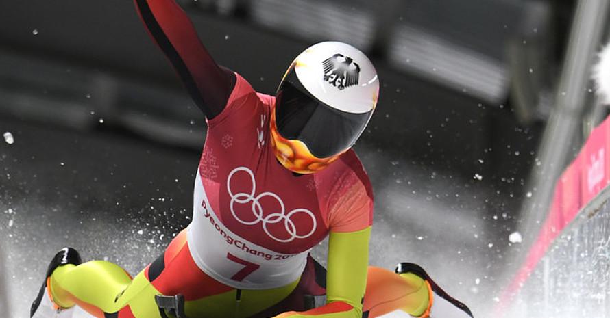 Jubel über Silber: Jacqueline Lölling fährt im vierten Lauf noch um einen Rang nach vorn (Foto: Picture Alliance)