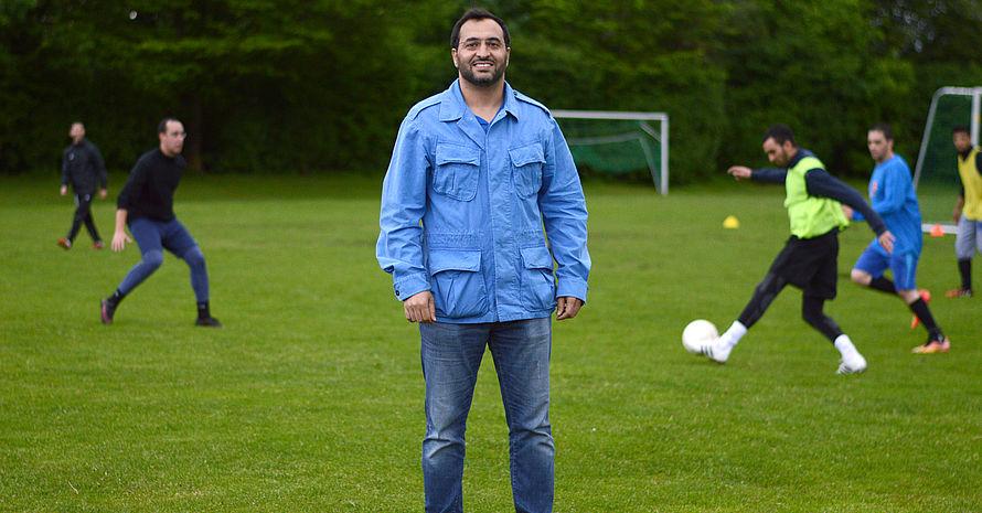 Vorstand Hicham Najih gründete den Verein mit marokkanischen Freunden, die er im Studium kennengelernt hatte. Inzwischen arbeiteten viele als Ingenieure und Ärzte, sagt er. Foto: DJS/Länge