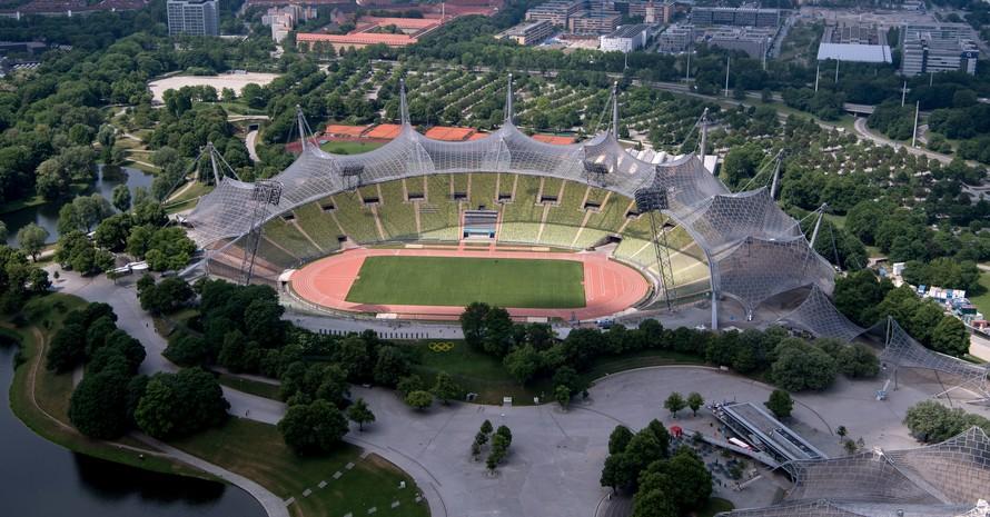 Die Zeltdachkonstruktion des Olympiastadions in München ist weltberühmt. Foto: picture-alliance