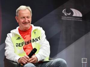 Friedhelm Julius Beucher während der Präsentation der offiziellen Outfits für die deutsche Olympia- und Paralympics-Mannschaft am 6. Mai 2021. Foto: picture-alliance