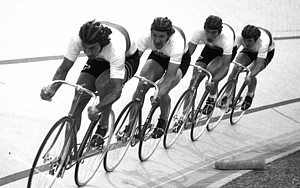 Hans Lutz (vorn) unterwegs zu Olympischem Gold in Montreal 1976; Foto: BDR-Medienservice