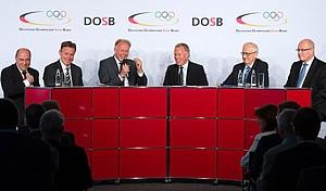 Vertreter der großen Parteien beim DOSB-Wahlhearing in Berlin. Foto: picture-alliance/Robert Schlesinger