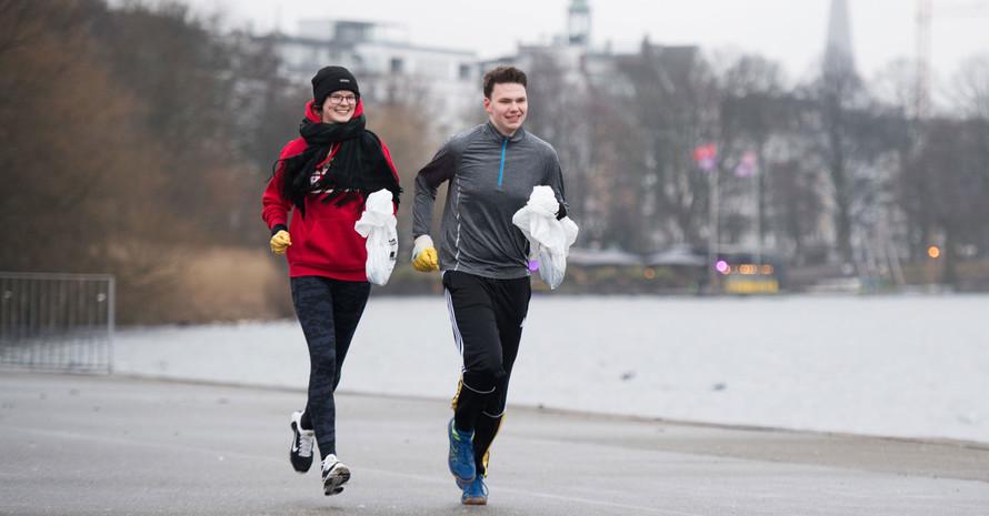Sport treiben und der Umwelt Gutes tun, das geht beim Plogging. Foto: picture-alliance