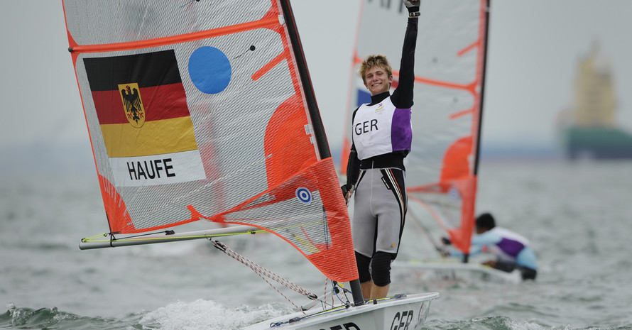 Florian Haufe reckt die Faust zum Topp: Silber ist sicher. Foto: SYOGOC