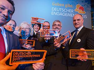 Noch bis 12. Juni können Vorschläge für den Deutschen Engagementpreis 2013 eingereicht werden. Foto: Marc Darchinger / Deutscher Engagementpreis