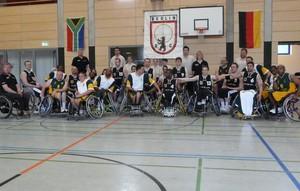 Erstmals kam es am 4. und 5. April 2009 in Deutschland zu Freundschaftsspielen zwischen der deutschen Rollstuhlbasketball-Nationalmannschaft der Herren und Südafrika (grün/gelbes Trikot). Foto: Erich Flöter