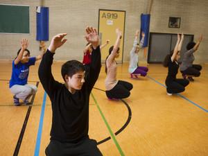 """Das Profilfach """"Tanz"""" bringt unterschiedliche Kulturen am Genoveva-Gymnasium zusammen. Foto: Robert Bosch Stiftung/Theodor Barth"""