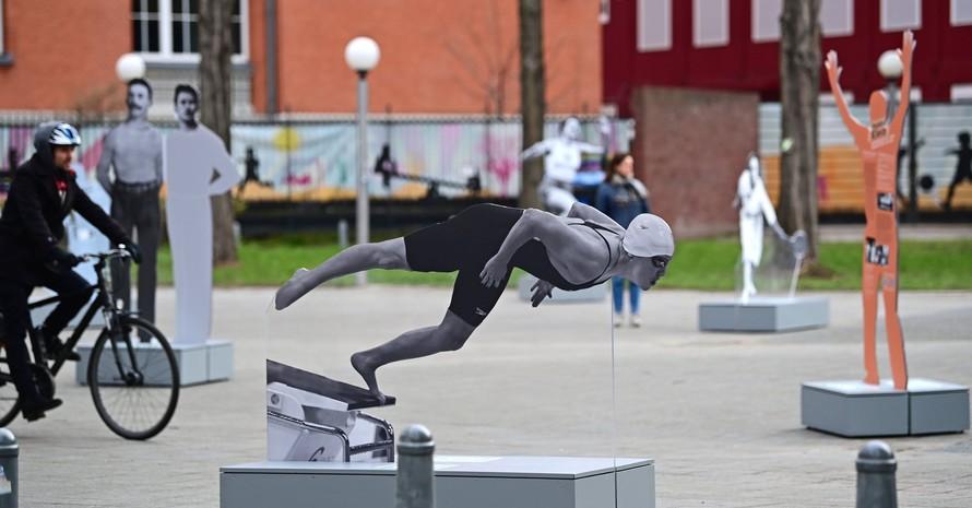 Die Wander-Ausstellung auf dem Joseph-Carlebach-Platz (Rotherbaum) in Hamburg ist bis zum 17. Mai ganztägig zugänglich. Foto: Witters