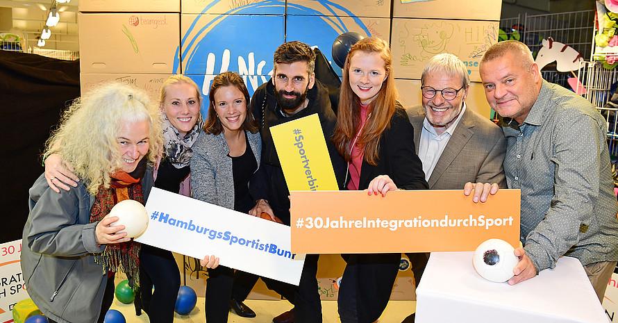 """Das Team """"Integration durch Sport"""" des Hamburger Sportbundes"""